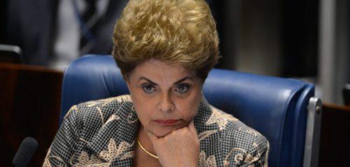 Dilma faz sua defesa no plenário do Senado - 3